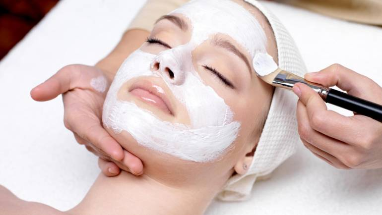 Myoxy-Caviar Mask Treatment