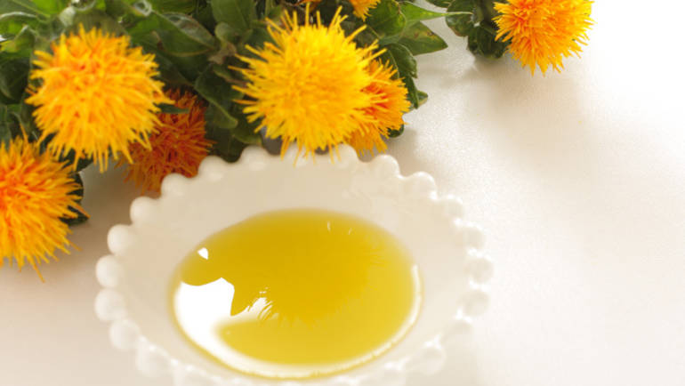 Benefits of Safflower Oil, Squalane, and Shea Butter